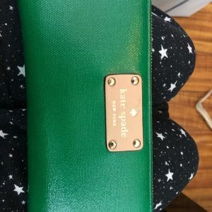 Katespade wallet in green. Used just for a few day